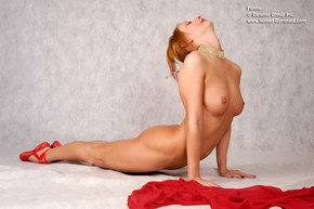 nude flexible models