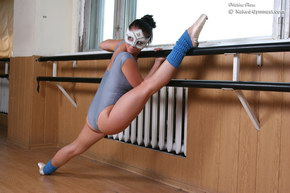 nude flexible sport girl