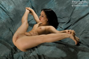naked girl super flexible