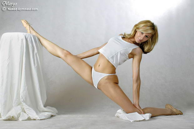 extremely flexible nude